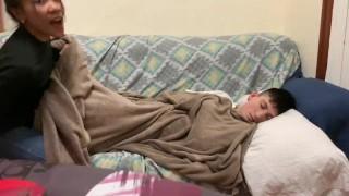 Mi novia me folla mientras duermo