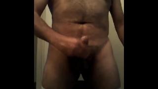 Oso Mexicano masturbándose