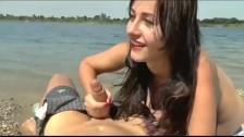 Sexy Girlfriend With Amazing Tits Sucks Off Her Boyfriend At The Beach